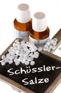 Schüssler Salze können bei auftretenden Impfreaktionen eingesetzt werden. gefunden auf: https://www.was-sind-windpocken.de/behandlung--vorbeugung-12225.html
